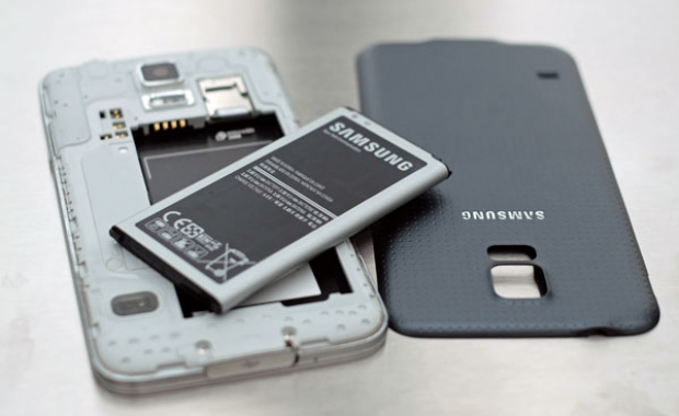 Samsung เผยแพร่ออกมา ชูจุดขายด้านคุณสมบัติแบตเตอรี่ GALAXY S6