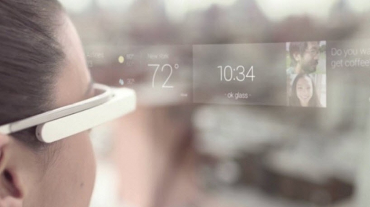 แว่นตา AR ในอนาคต จะใช้จอ microLED