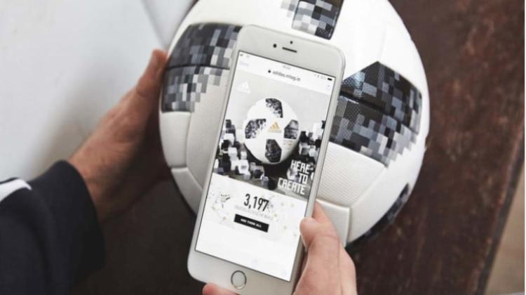 ลูกบอลที่ใช้ในศึกฟุตบอลโลก ฝังชิป NFC ให้แฟนบอลดูข้อมูลได้ผ่านมือถือ