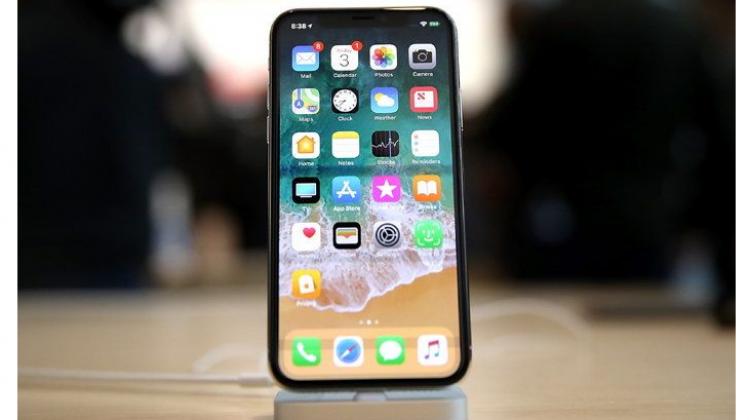 เหตุผลดีๆ 10 ข้อ ของการตัดสินใจซื้อ iPhone X
