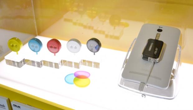 อุปกรณ์เสริมอย่าง Zenflash ที่ให้ความสว่างมากกว่าแฟลชทั่วไปถึง 400 เท่า