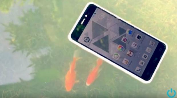 ส่องสมาร์ทโฟนพันธุ์ใหม่ โคเม็ต ลอยน้ำได้ไม่มีวันจม